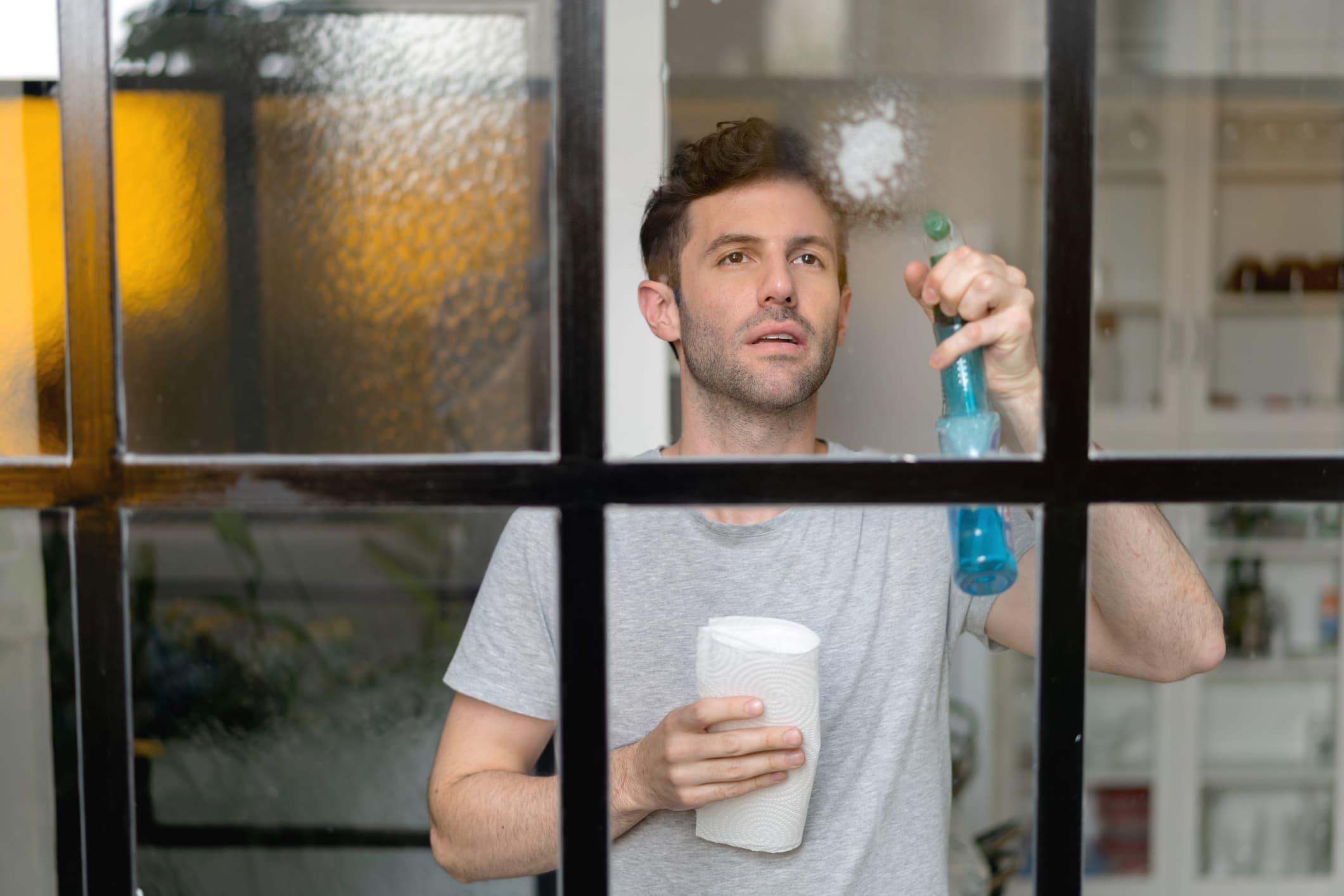 limpar janela de apartamento